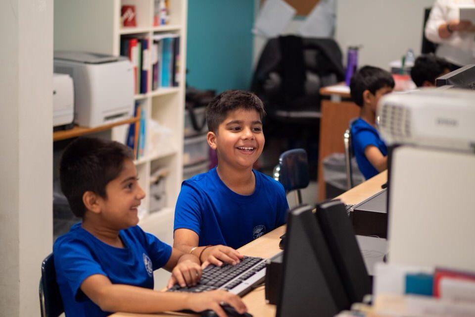 Newtons Grove School computer class